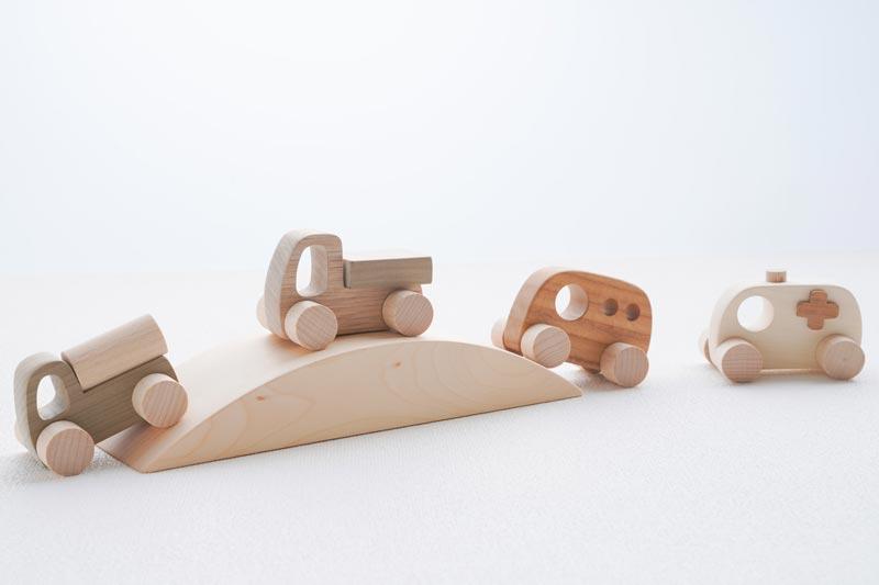 木のおもちゃ車セット