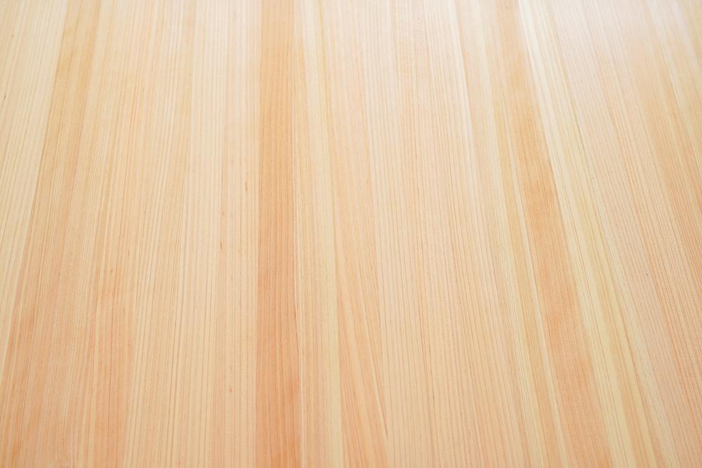 丸いダイニングテーブル
