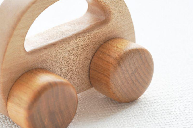 つるつる木の車