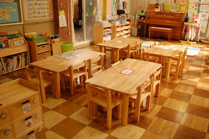 角テーブル