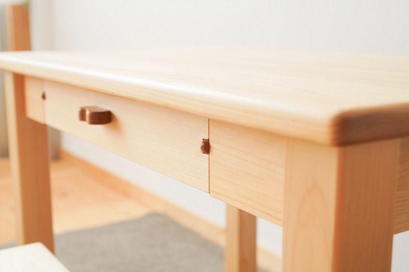 小さい頃の机 椅子付き