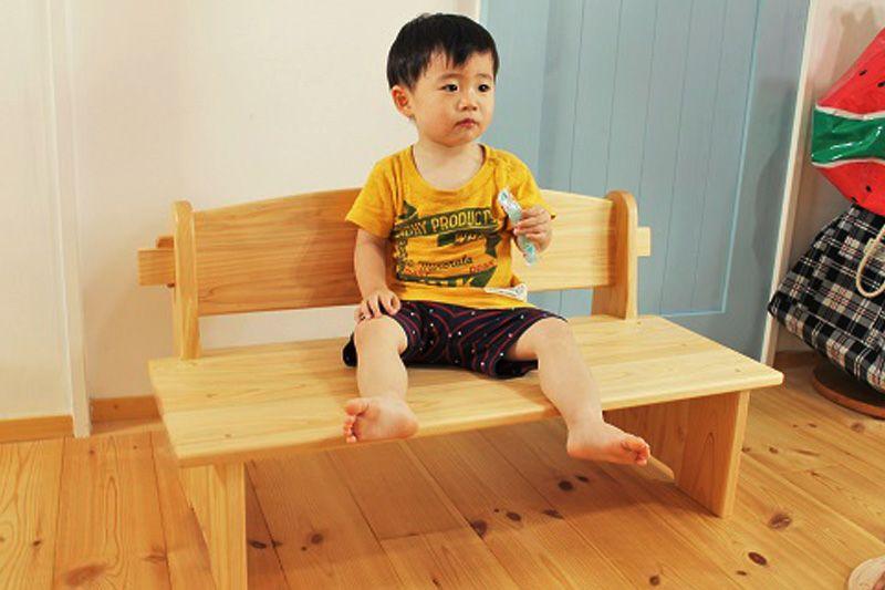 子供の頃の背付きベンチ