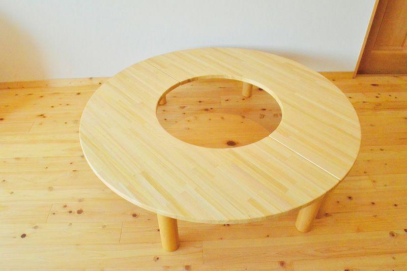 ドーナツ型半割テーブル