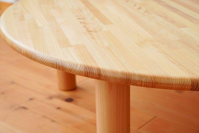 ヒノキの丸テーブル