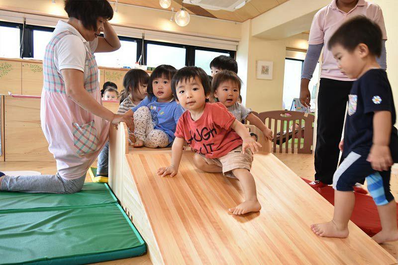 赤ちゃんの登り台